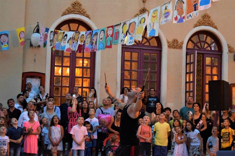 DIABOLIRIUM: Karizmatični nastup zabavljača iz Austrije
